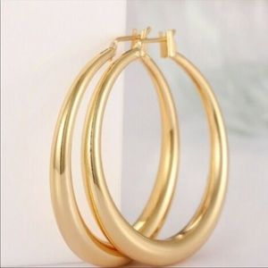 New Luxury Beautiful 18K Yellow Gold Hoop Earrings